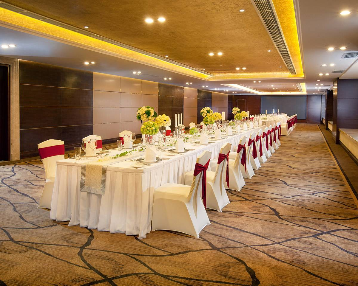 Ballroom and Meeting Room For the smooth running of any meeting or special occasion