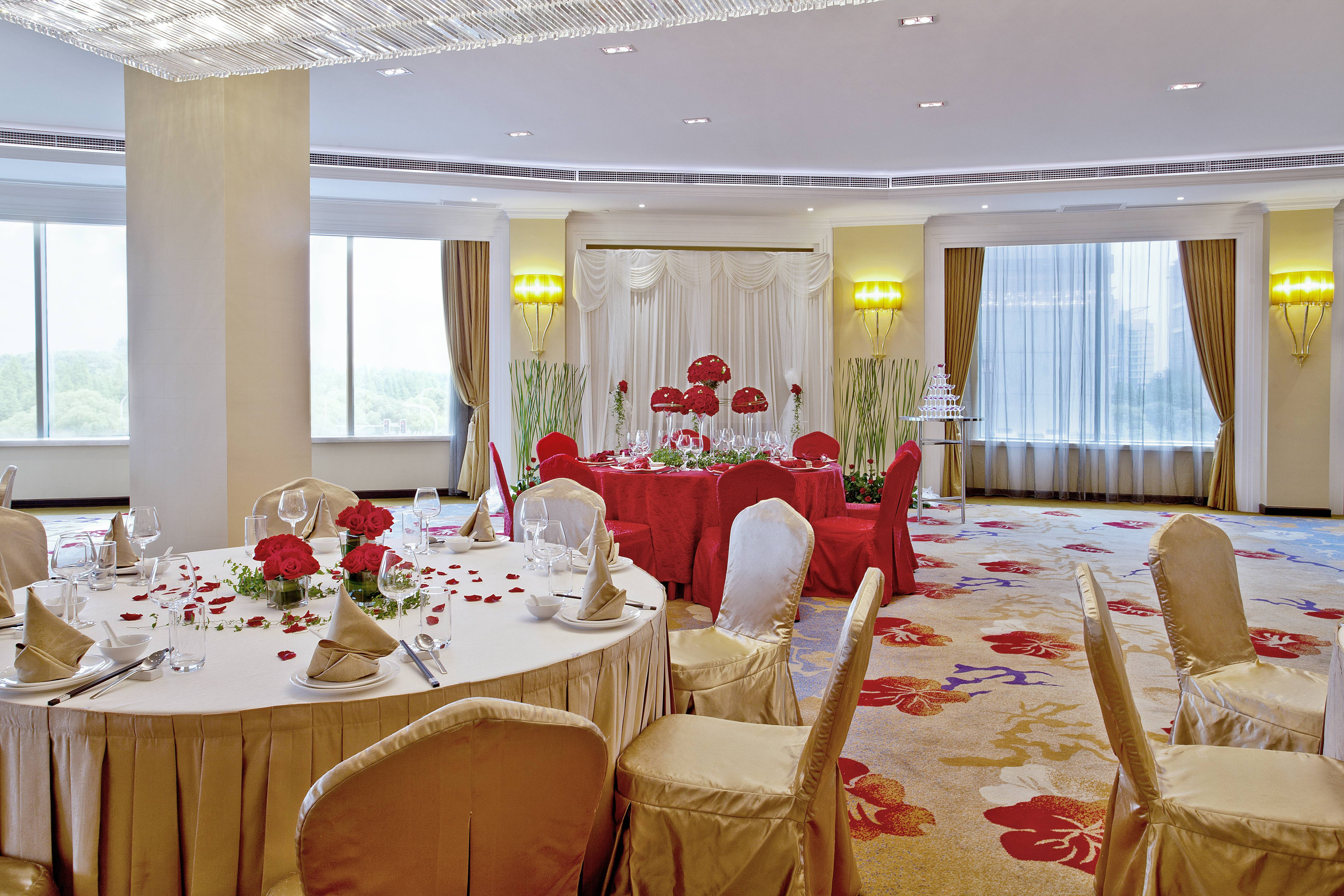 Meets your budget and expectation CNY3,388 / table for 10 persons