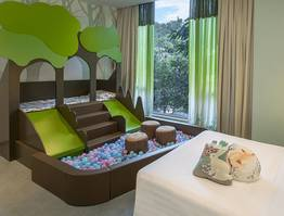 Kids Signature Themed Room Package (Free SWITCH games trial + Free Breakfast)