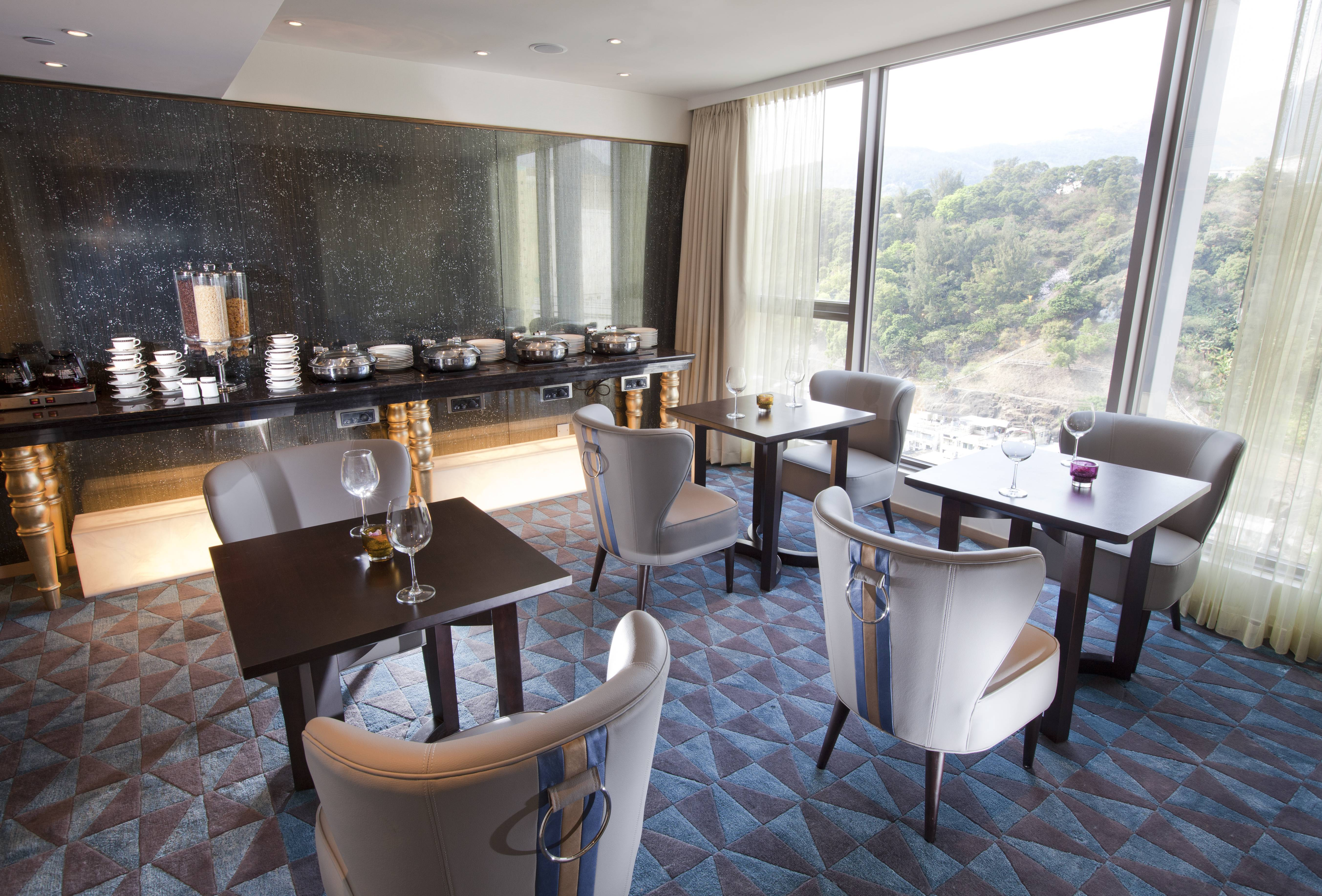 Dorsett Club Lounge Catch up on the day's work or relax over drinks