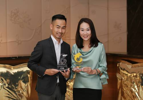 Photo caption: Bernard Pak from Ctrip - Deputy General Manager – Hong Kong and Macao, and Anita Chan, General Manager of Dorsett Wanchai and Dorsett Mongkok