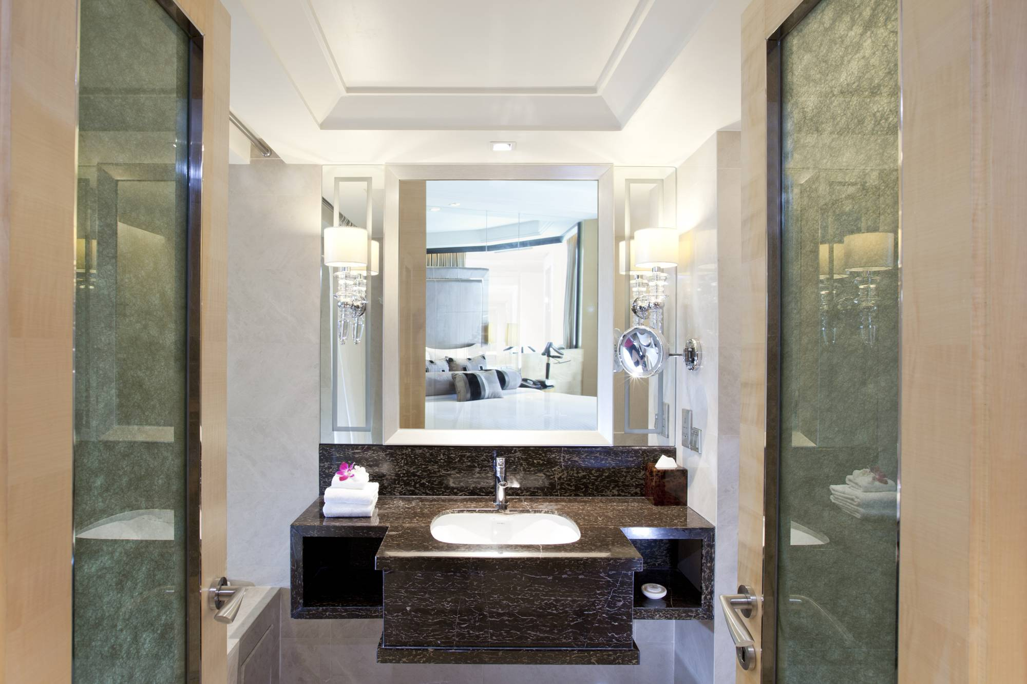Fully equipped bathroom for you to enjoy the relaxing shower