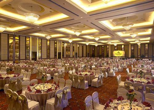Ballroom Banquet Wedding Wedding banquets in our spacious ballroom adds class and grandeur