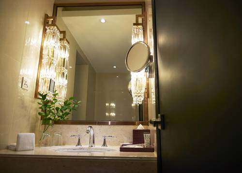 Dorsett Executive Suite's extravagant Bathroom