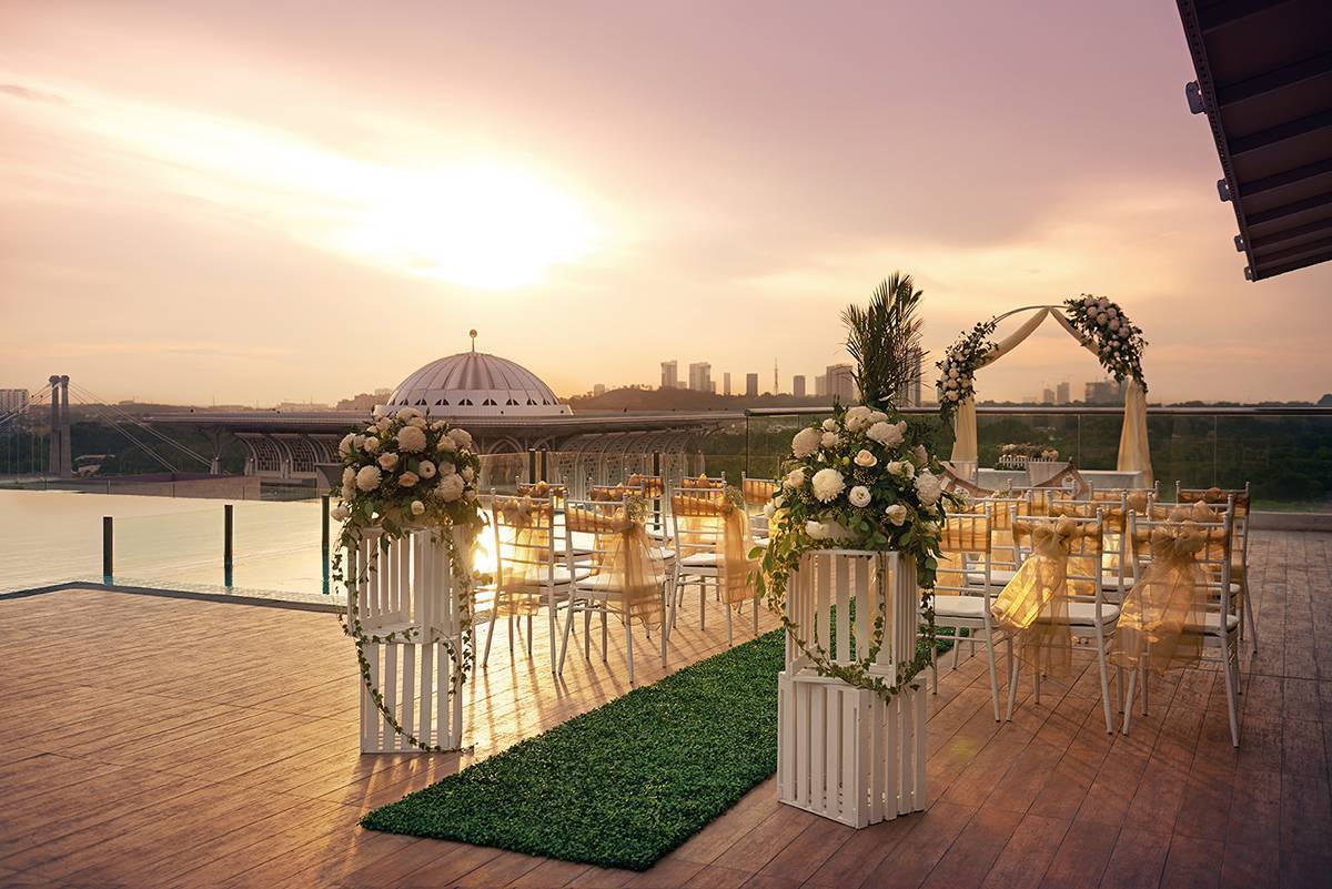 Inspired Wedding at Dorsett Putrajaya (Sunset ROM by the pool -1) ROM by the pool with the sunset horizon as backdrop