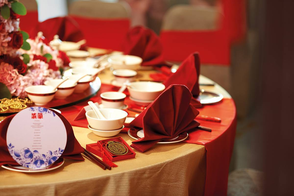 An amazing wedding table set-up for an elegant Chinese wedding