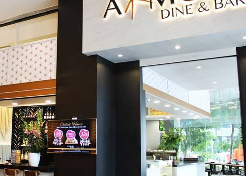 All-day dining restaurant and cocktail bar