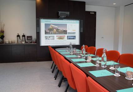 Heron Meeting Room